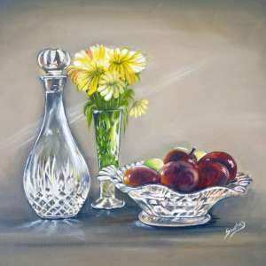 Crystal-fruit-bowl-and-flowers